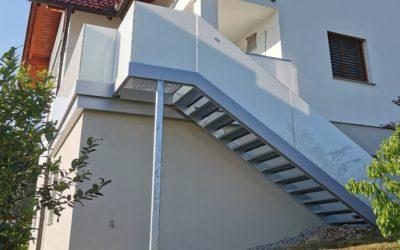 Balkon, Stiegen u Terrassengeländer